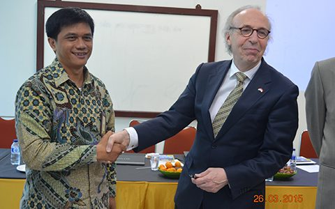 Faculty of Science of Leiden University visits Indonesia