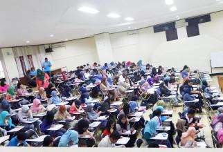 RPM FMIPA UI Menyelenggarakan In-Class Training : Laboratory Safety  bagi para mahasiswa Biologi FMIPA UI