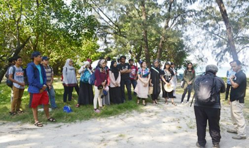 Mahasiswa Departemen Geografi FMIPA UI Lakukan Penelitian Di Pulau Rambut