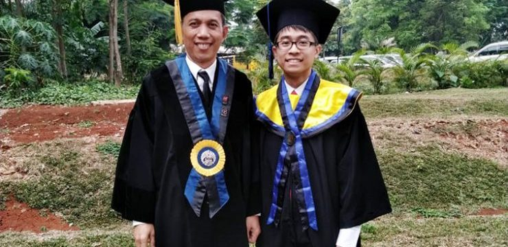 Jason Kristiano, the only one at UI who graduated with a bachelor degree in 3 years and has international publications