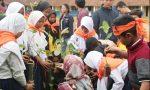 Cegah Terulangnya Banjir Bandang Garut: Tim Pengmas FMIPA UI Ajak Siswa SMP Dan Warga Tanam 1000 Pohon