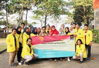 Bantu Warga Cisolok Pantau Bencana Alam, Mahasiswa Geografi FMIPA UI Gelar Penyuluhan dan Mitigasi