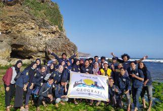 Dosen dan Mahasiswa Geografi FMIPA UI Teliti Potensi Pengembangan Ekowisata Karst Gunungkidul